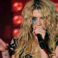 Kesha ... Elle a fait un saut en parachute (vidéo)