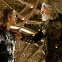 Thor ... une nouvelle affiche rouge sang