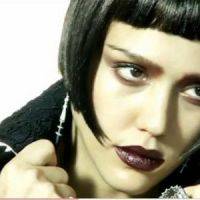 Jessica Alba... superbe pour Vogue Italie (Vidéo)