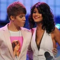 Selena Gomez super séduisante lors des MMVA 2011 : son Who Says en live (VIDEO)