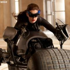 VIDEO - The Dark Knight Rises : Catwoman détruit une caméra