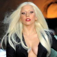 Lady Gaga : tiraillée entre deux hommes, elle veut un bébé