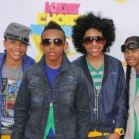 Mindless Behavior : une leçon de danse à leurs fans (VIDEO)