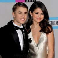 Justin Bieber et Selena Gomez : le couple le plus glamour des AMA's 2011 (PHOTOS)