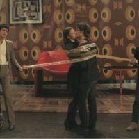 Les BB Brunes dans Taratata : ''Cul et chemise'' en LIVE et un duo avec Josephine de la Baume