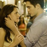 Robert Pattinson et Kristen Stewart à Londres : le couple s'installe enfin ensemble