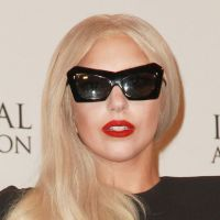 Lady Gaga lance la Born This Way Foundation : Eh les jeunes, Mama (Monster) est là !