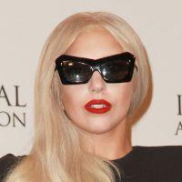 Lady Gaga lance la Born This Way Foundation : Eh les jeunes, Mama (Monster) est là !