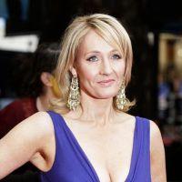 J.K. Rowling : d'un coup de baguette magique, elle passe d'Harry Potter à un roman pour adultes !