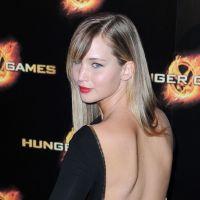 Hunger Games : Jennifer Lawrence et son dos nu mettent le feu à Paris (PHOTOS)