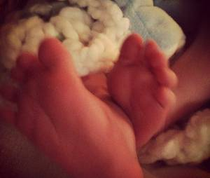 Les pieds de Luca Cruz, le fils d'Hilary Duff