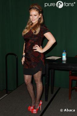 Hilary Duff est une maman glamour