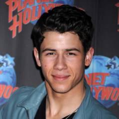 Nick Jonas avec un mystérieuse brune : Il n'est (déjà) plus célib' !