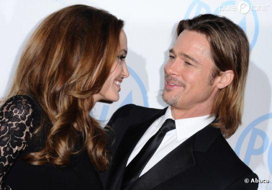Brad Pitt et Angelina Jolie s'amusent devant les photographes