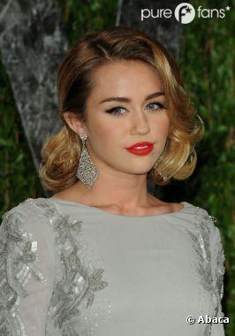 Miley Cyrus est jalouse de ses copines !