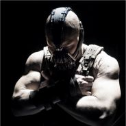 The Dark Knight Rises : nouveau fail de Bane ! Tom Hardy taillé sur son physique ...