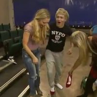 Niall Horan des One Direction : il se balade en talons hauts ! (VIDEO)
