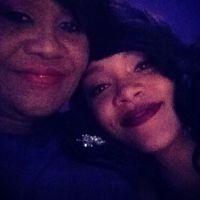 Rihanna privée de sortie par Maman... Fini la fiesta !
