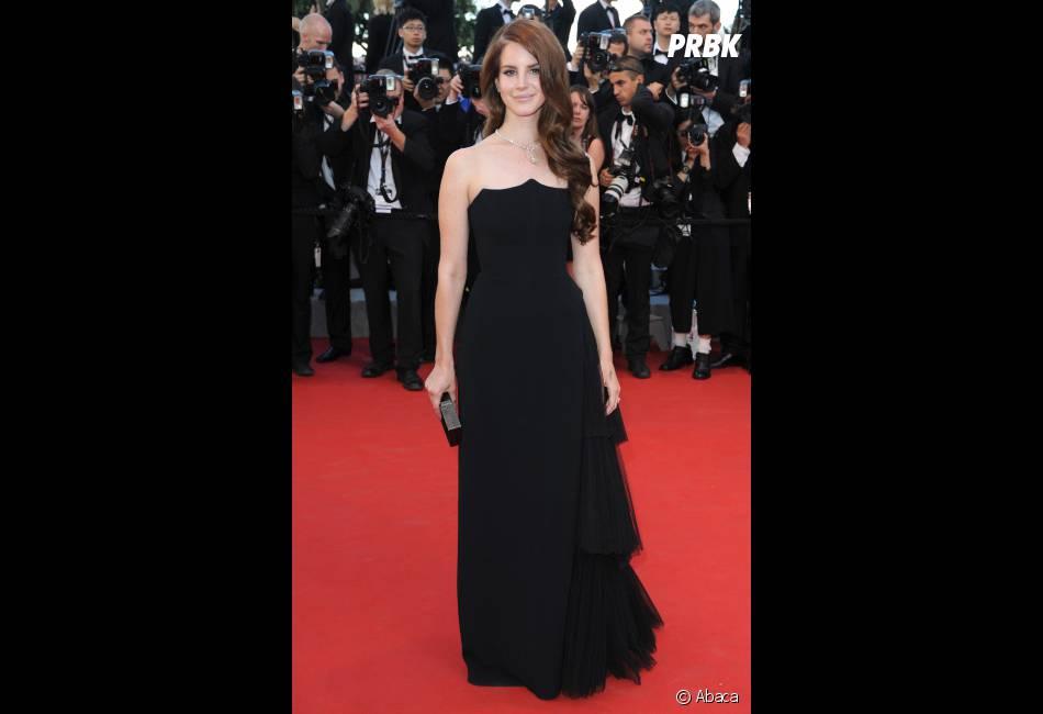 Lana Del Rey, simple mais efficace en noir