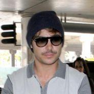 Zac Efron au Grand Journal de Cannes avec un nouveau look à moustache ! (PHOTOS)