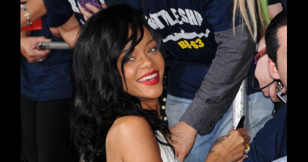 Rihanna elle en a marre d 39 tre maigre - Rihanna poids taille ...