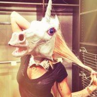 Miley Cyrus : nouvelles twitpics trop bizarres ! (PHOTOS)