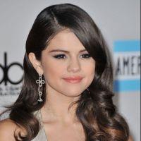 Selena Gomez : ses fans veulent lui offrir un award pour son anniversaire !