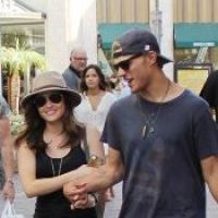 Lucy Hale : la Pretty Little Liars de sortie avec son boyfriend Chris Zylka (PHOTOS)