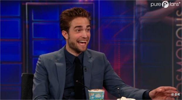 Robert Pattinson a le sourire pour sa première interview après l'affaire Kristen Stewart