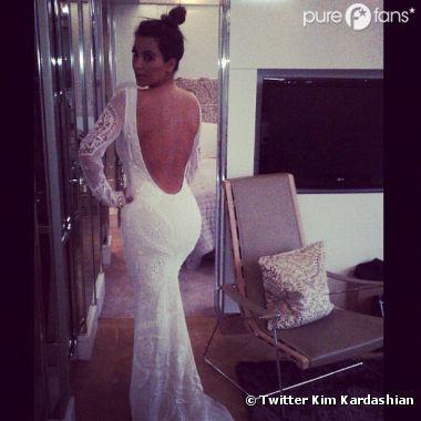 Kim Kardashian poste une photo qui relance la rumeur !