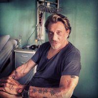 Johnny Hallyday : sorti de l'hôpital et en forme sur une photo de Laeticia (PHOTO)