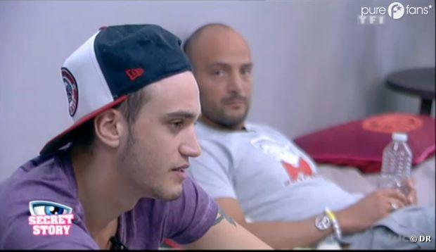 Julien ne veut plus être associé à Kevin et à Caroline !