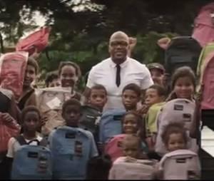 Flo Rida est de retour pour aider les enfants de son ancien quartier !