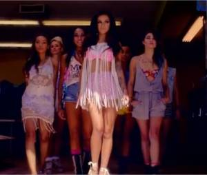 Cher Lloyd avec ses copines, elles jouent les belles gosses