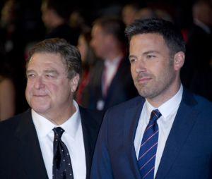 John Goodman et Ben Affleck sur le tapis rouge londonien d'Argo