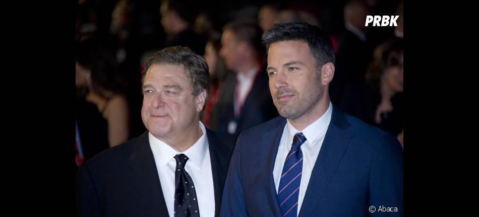 John Goodman et Ben Affleck sur le tapis rouge londonien d' Argo