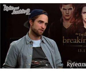 Robert Pattinson en interview pour Kyle & Jackie O à Sydney