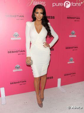 Kim Kardashian garde le sourire mais elle est dégoûtée !