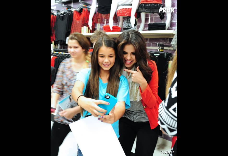 Selena Gomez : Séances de photos avec ses fans !