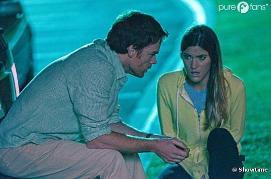 Debra fait une demande étrange dans la saison 7 de Dexter