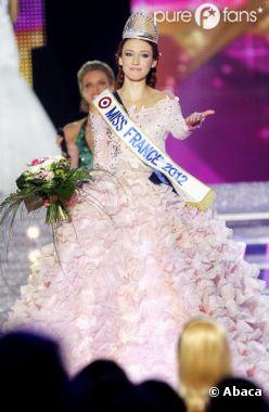 Miss France 2012, Delphine Wespiser, rend sa couronne !
