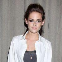 Kristen Stewart : parano, elle pense que tout le monde se fout de sa gu*ule !