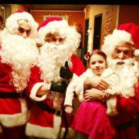 Nos chers voisins fêtent Noël avec Nikos Aliagas !