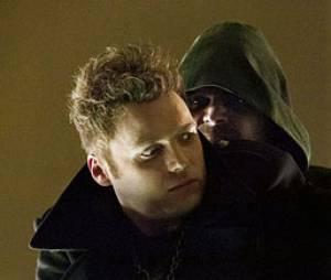 Seth Gabel semble bien flipper face à Oliver