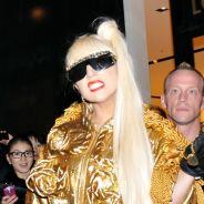 Lady Gaga en fauteuil roulant après son opération d'urgence