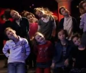 """Faf Larage est accompagné d'une chorale d'enfants dans le clip """"Daddy Crood"""" pour le film Les Croods"""