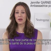 Jennifer Garner : ambassadrice de Neutrogena, elle se mobilise contre le cancer (VIDEO)
