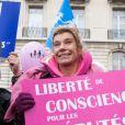 """Frigide Barjot et les """"anti"""" interdits de Champs-Elysées"""