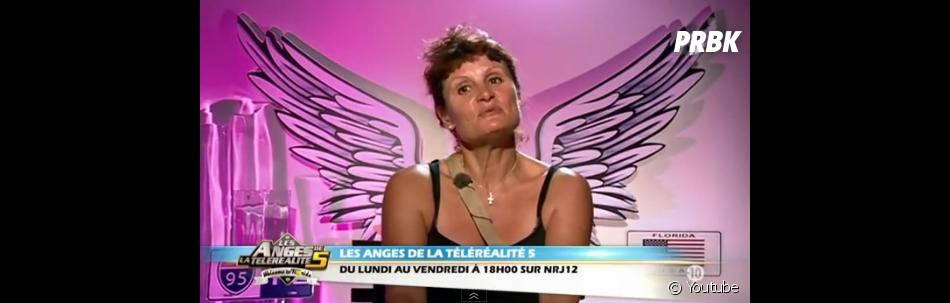 Frédérique a été très émue dans Les Anges de la téléè-réalité 5.