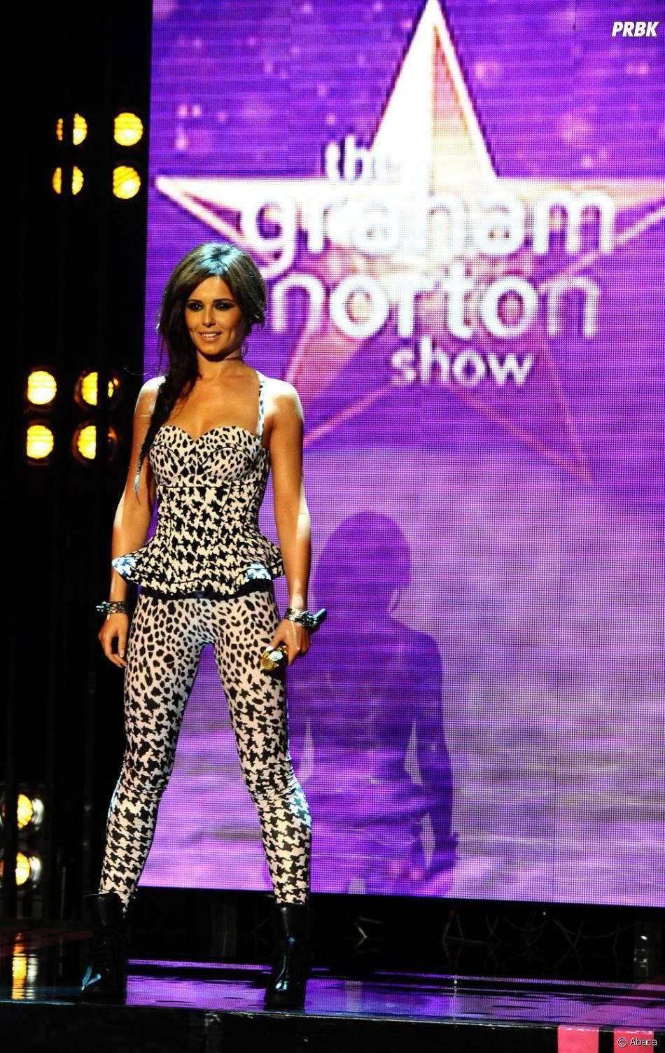 Cheryl Cole opte pour un legging imprimé graphique